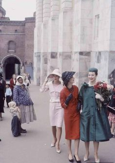 Christian-Dior-in-Moscow,-June-1959