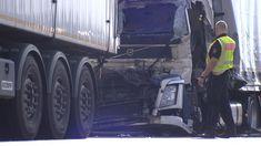 Lkw-Unfall mit Schwerverletztem - A2 gesperrt