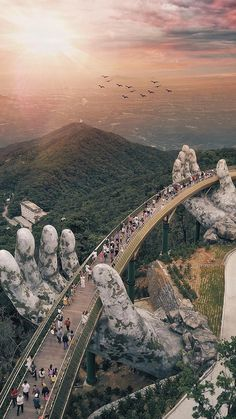 Giants Hands of the nature : Da Nang Vietnam Founder: Tag your best travel photos with Beautiful Places To Travel, Cool Places To Visit, Wonderful Places, Amazing Places On Earth, Wonderful Picture, Best Places To Travel, Big Picture, Places Around The World, Amazing Things