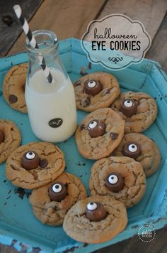 Halloween Monster Eyeball cookies|theidearoom.net