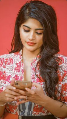 Beautiful Girl Indian, Most Beautiful Indian Actress, Beautiful Lips, Cute Love Couple, Cute Girl Pic, Bun Hairstyles For Long Hair, Girl Hairstyles, Beautiful Bollywood Actress, Beautiful Actresses