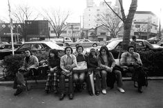 東京・原宿の〈バツアートギャラリー〉にて、「Fashion&Music」をテーマに『70's 原風景 原宿 vol.2』がスタートした。また、代官山の蔦屋書店では、写真展『70's HARAJUKU another story』を同時開催中だ。