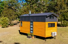 TINY HOUSE TOWN: Lifestyle Series By Designer Eco Homes