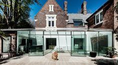 Ohhhh, I just LOVE the mix of old and new textures in architecture! AR Design Studio have completed a glass extension on a house in Winchester, England. Blog Architecture, Modern Residential Architecture, Minimalist Architecture, Innovative Architecture, Modern Glass House, Glass Extension, Extension Ideas, Glass Facades, House Extensions