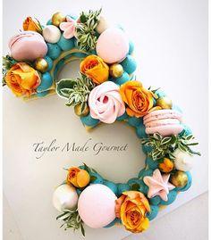 Acqua, peach & pink & Thanks again Tara. Gorgeous Cakes, Pretty Cakes, Cute Cakes, Amazing Cakes, Bolo Glamour, Alphabet Cake, Cake Lettering, Monogram Cake, Biscuit Cake
