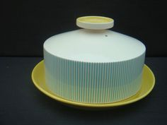 RETRO LARGE KITCHENALIA HORNSEA SUMMERTIME CHEESE DISH BLUE AND YELLOW EXCELLENT