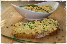 Käse Ei Aufstrich     100 g Gouda in Stücken     5 Sek./St.6   umfüllen       500 g Wasser in den Mixtopf   5 Eier ins Garkörbchen     ...