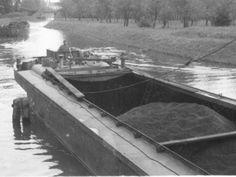 baťův kanál Boat, Train, Vehicles, Photos, Dinghy, Zug, Rolling Stock, Boats, Strollers