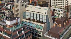 WG mit vier Hufen - DEAR Wohnen - Projekte | dear-magazin.de Madrid, Multi Story Building, First Home, Weekend House, Architecture, Sitting Rooms
