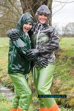 Vinyl Raincoat, Pvc Raincoat, Spice Girls, Girls Wear, Women Wear, Imper Pvc, Mudding Girls, Nylons, Vinyl Clothing