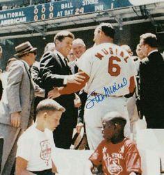 Stan Musial St Louis Cardinals Baseball, Stl Cardinals, Baseball Players, Baseball Cards, Cardinals Players, Mlb Stadiums, Baseball Pictures, Mlb Teams, American League