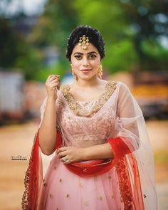 Shamna Kasim (Poorna) Hot HD Photoshoot Photos in White & Pink Dress Hollywood Actress Name List, Hollywood Girls, Hollywood Heroines, Actress Pics, Tamil Actress Photos, Pink And White Dress, Pink Dress, South Indian Actress, Beautiful Indian Actress