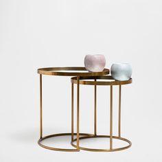 Runder, unterschiebbarer Tisch (2er-Set) - Beistellmöbel | Zara Home Deutschland