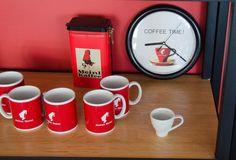 Hugo Restaurant, Coffee Time, Treats, Mugs, Tableware, Cosmopolitan, Sweet Like Candy, Goodies, Dinnerware