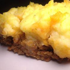 Schaut zwar alles andere als schön aus schmeckt aber himmlisch. Shepherd's Pie.  http://ift.tt/2jj7BM3 - http://ift.tt/1Ku8h61