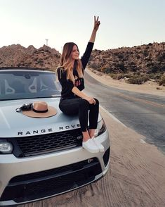 15 photos of chic girls with super cars that we all want to have. - Mckela - - 15 fotos de chicas chic con súper autos que todas quisiéramos tener. – Mckela 15 photos of chic girls with super cars that we all want to have. Auto Girls, Car Girls, Girl Car, Range Rovers, Range Rover Evoque, New Car Picture, Up Auto, Car Poses, Luxury Girl