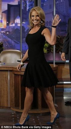Katie Couric Takes an Epic Fall on the 'Late Late Show' for April Fools' Day! Hottest Weather Girls, Katie Couric, My Kind Of Woman, Sexy Legs And Heels, Great Legs, Beautiful Celebrities, Beautiful Women, Sexy Women, Celebs