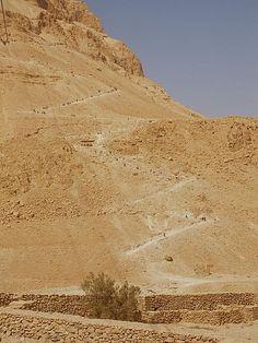 https://flic.kr/p/7o9Dqi | Masada | Snake path to top of Masada (Seetheholyland.net)