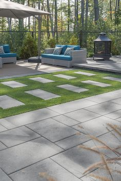 It can be installed linear, or modular, as a border or a patio slab. Small Backyard Decks, Modern Backyard, Swimming Pools Backyard, Paver Deck, Pool Pavers, Concrete Backyard, Backyard Patio, Outdoor Gardens, Outdoor Pool