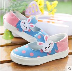 fr.aliexpress.com store product 2015-New-Brand-Spring-Girls-Cartoon-Rabbit-Polka-Dot-Splicing-Canvas-Cloth-Sneaker-Female-Kid 1750154_32664107456.html?spm=2114.12010615.0.0.0AfHe2
