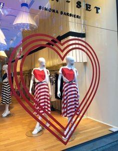 online and offline Valentine's Day campaign Restaurant Ideas, Window Displays, Love Valentines, Visual Merchandising, Twin, Campaign, Creativity, Windows, Dreams