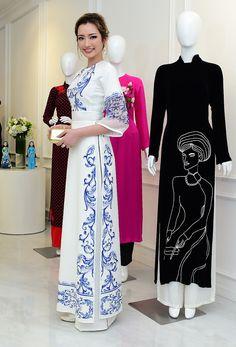 AOI DAI liking the belt and sleeves Vietnamese Traditional Dress, Vietnamese Dress, Traditional Dresses, Pakistani Dresses, Indian Dresses, Indian Outfits, Asian Fashion, Hijab Fashion, Fashion Dresses