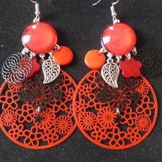 N°26 boucle d'oreille à crochets cabochon rouge estampe ronde rouge et noir