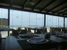 La Traiña es el nombre de un nuevo bar restaurante que acaba de abrir en El Paseo Marítimo de Barbate. Lo más llamativo una terraza acristalada y con aire acondicionado a pie de playa. De comé pues pescados de la zona, atún, arroces y tapeo con un toque innovador. Más detalles en Cosasdecome. http://www.cosasdecome.es/reportajes/la-traina-nuevo-bar-y-restaurante-en-el-paseo-maritimo-de-barbate/