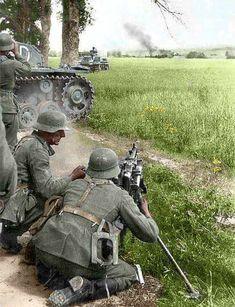 german solders world war two color photo Ww2 Pictures, Ww2 Photos, German Soldiers Ww2, German Army, Military Art, Military History, Mg34, Germany Ww2, Germany