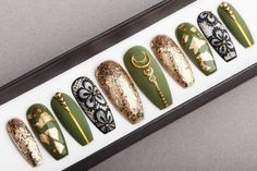 Olive Gold Press on Nails Hand-painted Nail Art Fake Nails False Nails Glue On Nails Olive Nails, Painted Nail Art, Hand Painted, Christmas Manicure, Nagel Gel, Toe Nail Designs, Prom Nails, Artificial Nails, Nail Decorations