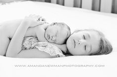 Sibling newborn photoshoot Amanda Newman photography