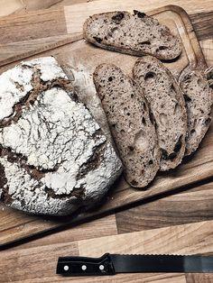 Rozsos, aszalt szilvás-pirított magvas kenyér | levendulalány