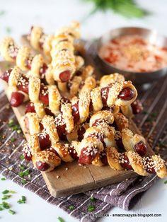 Smaczna Pyza sprawdzone przepisy kulinarne: Kabanosy w cieście francuskim