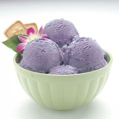 Ube is a purple vegetable and the ice cream Purple Vegetables, Kinds Of Vegetables, Best Dishes, Food Dishes, Magnolia Ice Cream, Ube Ice Cream, Philippines Food, Ice Cream Photos, Traditional Cakes