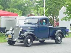 PHOTO GALLERY OF OLD CHEVY AND GMC TRUCKS