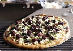 Driscoll's Grilled Berry Pizza www.driscolls.com #driscolls #sweepstakes