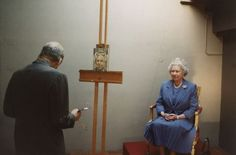 Lucian Freud painting the queen