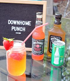 Ingredients: 1 bottle of Jack Daniels Downhome Punch 1 tiny Sprite can (they are oz) Strawberries Ice A splash of Jack Daniels Tennessee. Jack Daniels Mixed Drinks, Jack Daniels Cocktails, Alcoholic Drinks Jack Daniels, Jack Daniels Lemonade, Alcoholic Shots, Alcoholic Beverages, Alcohol Drink Recipes, Punch Recipes, Fireball Recipes