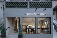 Visit Hudson Grace for well-designed tableware, candles, hostess and wedding gifts and everyday entertaining essentials.