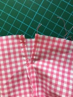 Porta Lingerie, Projects To Try, Patches, Pajama Pants, Pajamas, Diy, Fashion, Bread Bags, Garment Bags