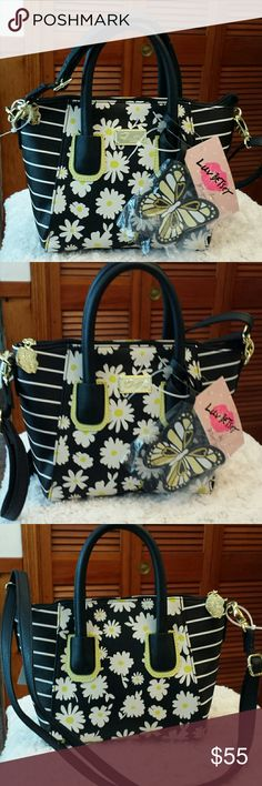 Betsy Johnson NWT Daisy Dome Crossbody Bag Betsy Johnson NWT Black with Daisy Pattern Floral Crossbody and /or Tote Bag, Removeable Crossbody Strap, Zippered Closure, Zippered pocket inside Betsy Johnson  Bags Crossbody Bags