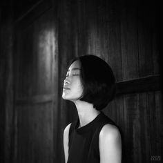 film, bw, bnw, black&white, analogue, ilford, ilford hp5, girl, 6x6, mood, pentaconsix, shenzhen, china