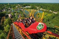 Located 30 km from Paris, the theme park Parc Astérix offers you many attractions that will entertain your family and friends. Travel Tours, Travel Deals, France Miniature, Parc Hotel, Stations De Ski, Empire Romain, Hotel Packages, Oise, Holiday Places