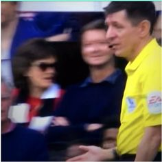Brilliant from this Fulham fan after linesman's offside call!