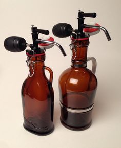 Tote Glass's growler tapping device features an adjustable on/off valve and hand squeeze pump to gently add pressure to the top of the beer,  causing it to flow out through the stainless faucet without adding damaging oxygen to the beer or stirring up sediments.