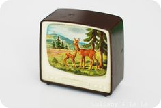 vintage toy tv - a click of a button and the scene would change Retro Vintage, Vintage Games, Vintage Love, Vintage Music, Die Siebziger, Mini Tv, Nostalgia, Good Old Times, Modern Dollhouse