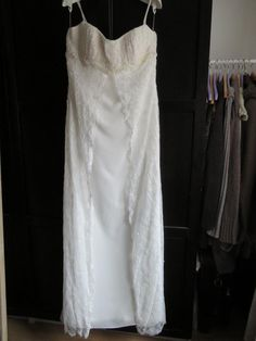 One Shoulder Wedding Dress, Wedding Dresses, Fashion, Sell Wedding Dress, Lace Top Wedding Gowns, Bride Groom, Bride Dresses, Moda, Bridal Gowns