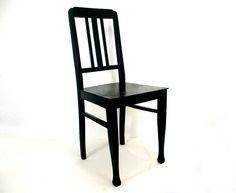 Schwarzer Stuhl  Küchenstuhl Holzstuhl klassisch von Schlüter Kunst und Design - Stühle, Kommoden, Regale, Modeschmuck auf DaWanda.com
