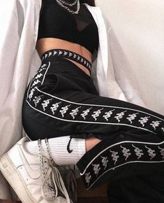 Korean Fashion Trends you can Steal – Designer Fashion Tips Style Outfits, Sporty Outfits, Mode Outfits, Grunge Outfits, Trendy Outfits, Fashion Outfits, Fashion Trends, Fashion Clothes, Fashion Ideas
