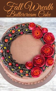 Get that fall feeling with this fall wreath cake tutorial. An easy flower wreath cake really is possible. With the right tips, the buttercream ribbon roses are much easier to pipe than they look. by juliet Buttercream Flowers, Buttercream Cake, Fondant Flowers, Cake Decorating Techniques, Cake Decorating Tutorials, Decorating Ideas, Mini Cakes, Cupcake Cakes, 3d Cakes